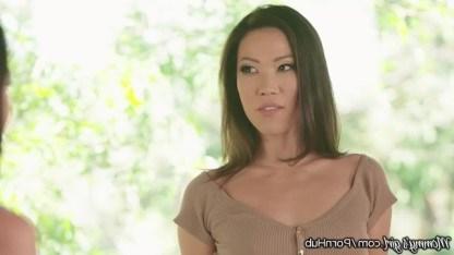 Профессор-шантажистка Kalina Ryu довела маму и дочку до инцеста