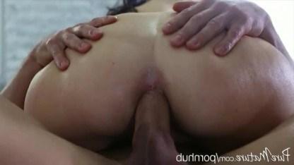 Зрелая дама уверена, что массаж всегда должен кончаться анальным сексом