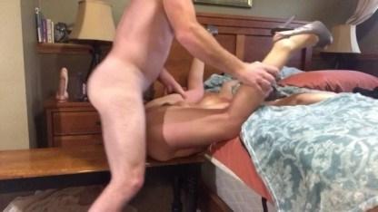 Зрелая и озабоченная пара записала на камеру хардкорный секс и зачатие